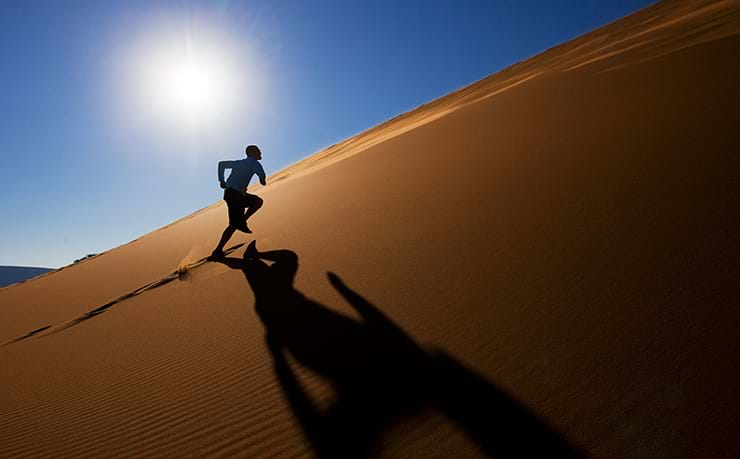 When is it safe to return to sport after suffering exertional heat stroke?